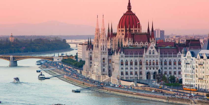 Viajar a Budapest desde Sevilla este verano