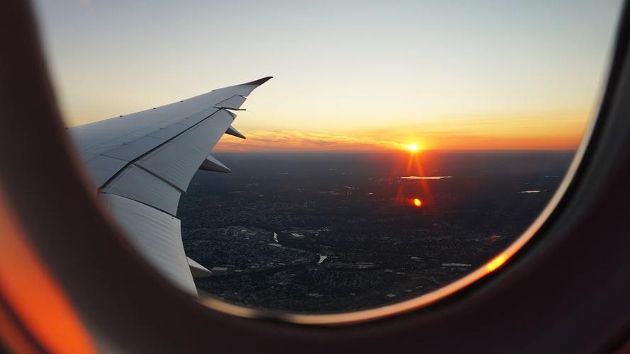 vuelos directos desde sevilla al atardecer