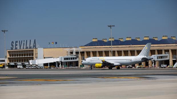 aeropuerto sevilla pasarelas de embarque